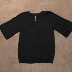 Leo & Nicole short sleeved sweater